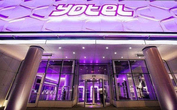 yotel2