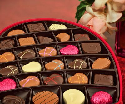 Union-Made Valentine's Day Chocolate and Champagnes Shopping List