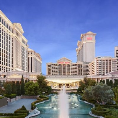 Hundreds of Vegas Casino Dealers Vote To Join UAW