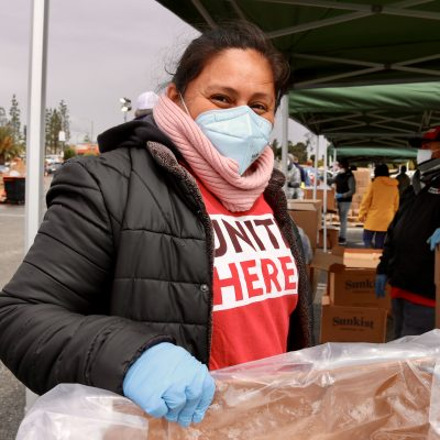 LA Labor Distributes Thousands of Meals on Good Friday
