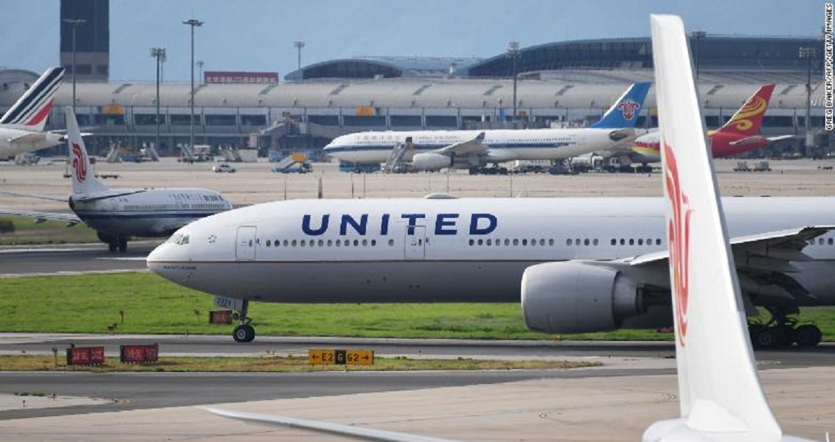 Union warns mass airlines layoffs would have disastrous 'multiplying, ripple effect' on the economy