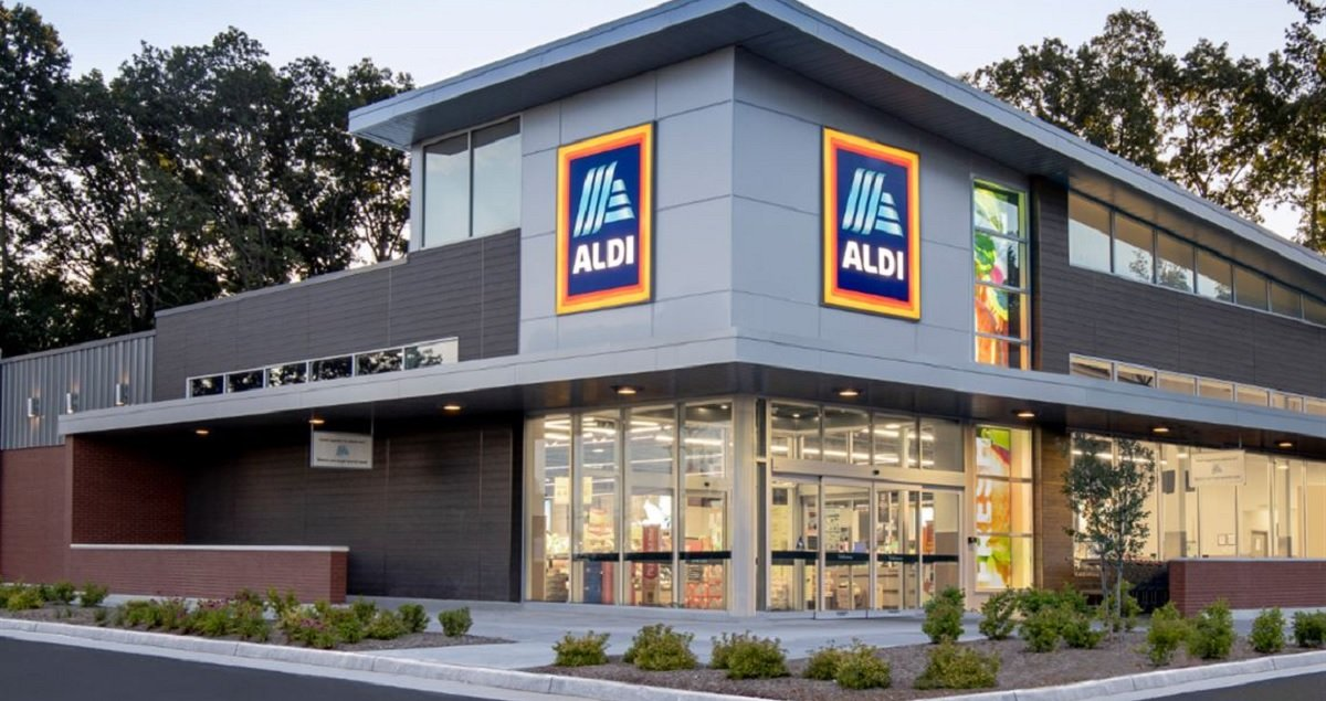Aldi Becomes Second Grocery Chain To Pay Workers To Get Vaccine