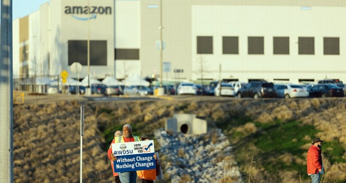 Using Questionable Tactics, Amazon Has Enough Votes To Defeat Union Drive In Alabama