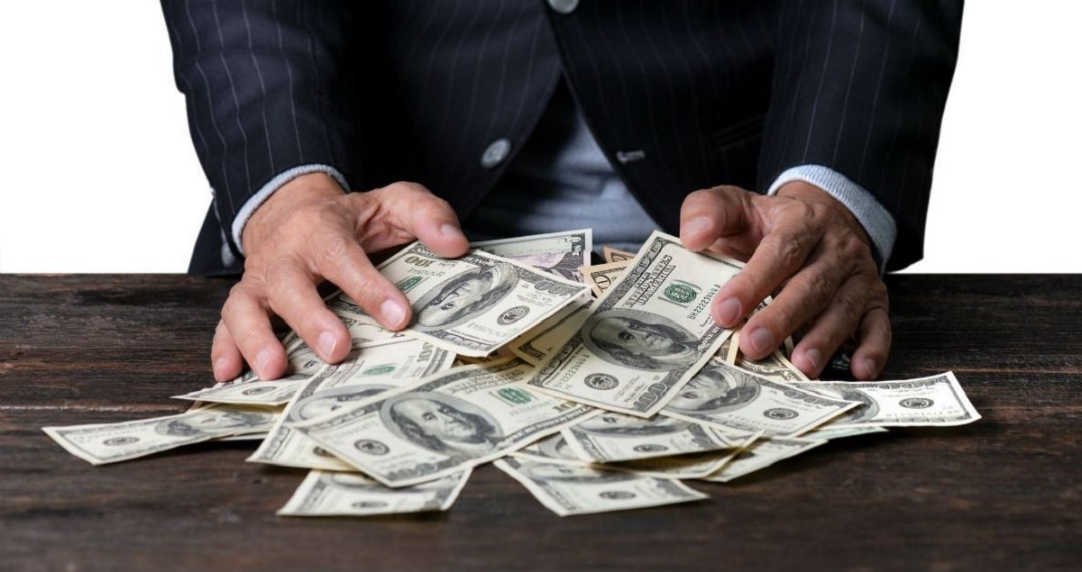 CEO impact on companies is 'economically unimportant' despite tenfold pay growth over 40 years, report says