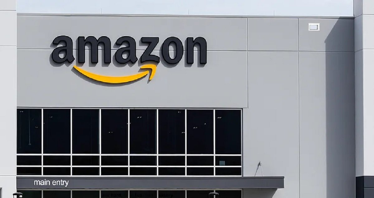 NYC Amazon Workers Officially File For A Union Vote